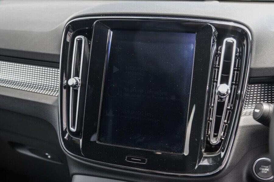 Màn hình giải trí cảm ứng 9 inch