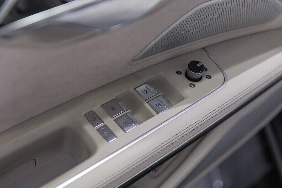 Nội thất Audi A8 - Hình 26