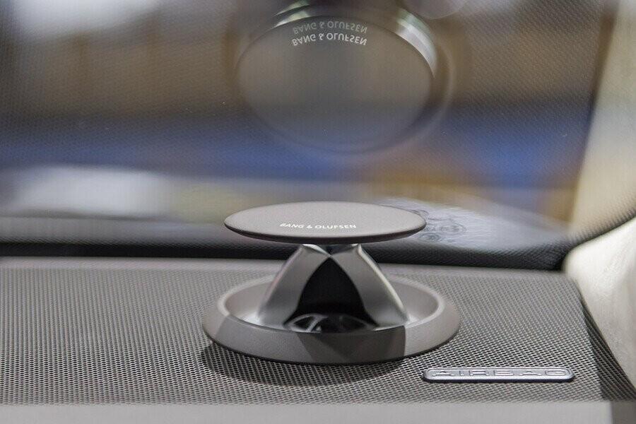 Nội thất Audi A8 - Hình 23