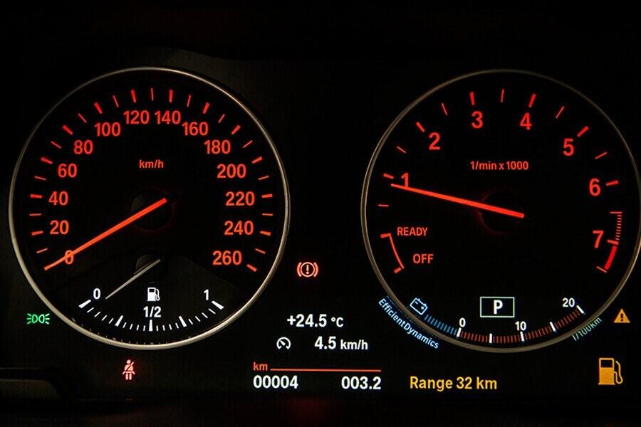 Đồng hồ hiển thị số km