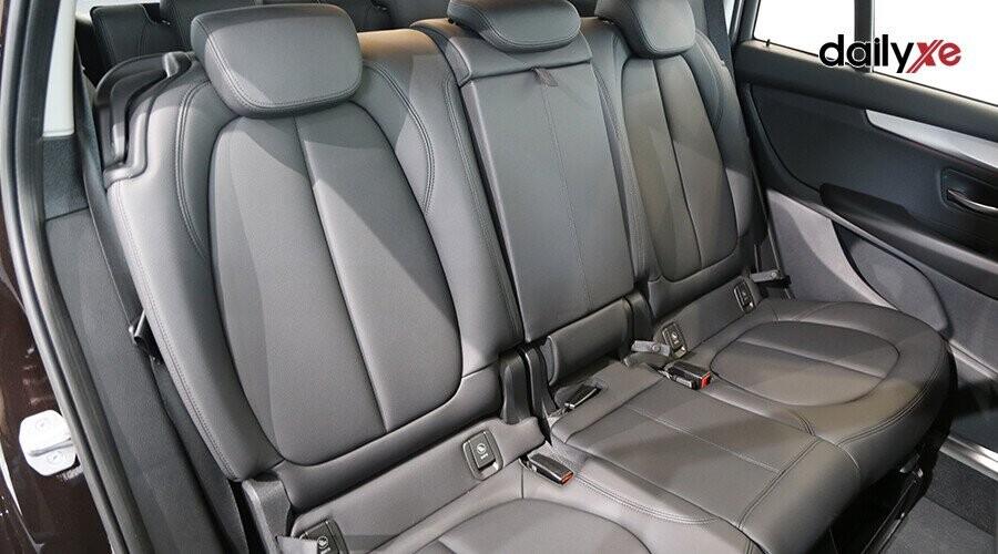 Hàng ghế sau linh hoạt