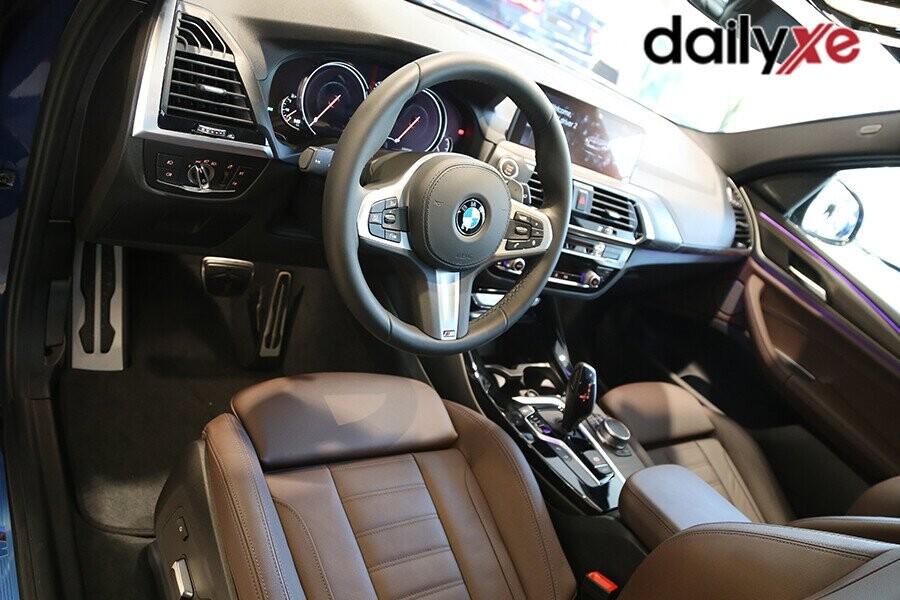 BMW X3 gây ấn tượng bởi thiết kế và vật liệu hạng nhất bên trong khoang nội thất