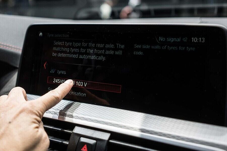 Màn hình LCD cảm ứng
