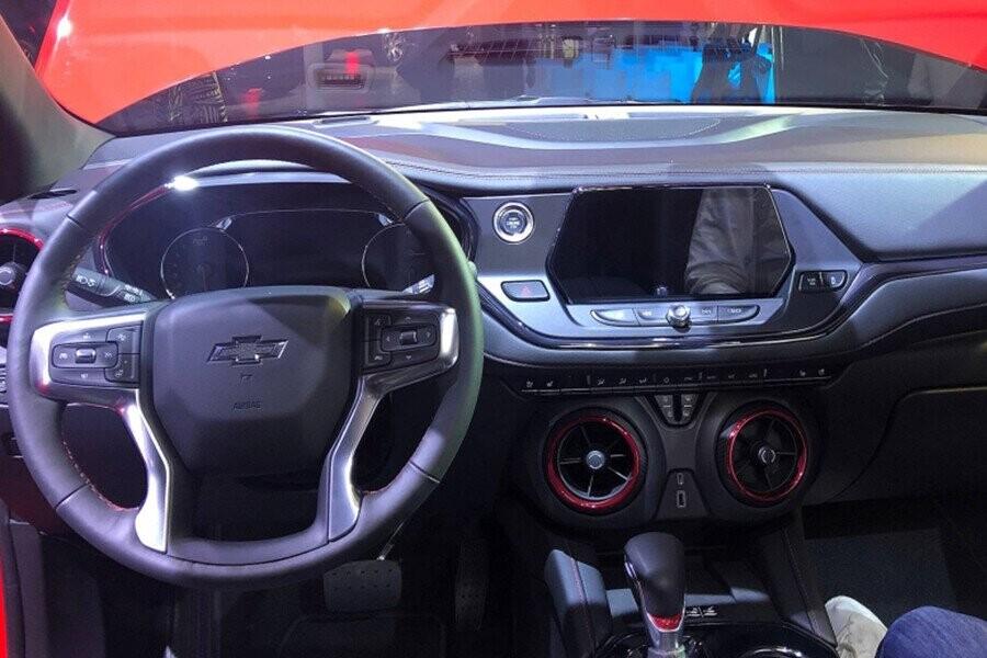 Tay lái tích hợp nút điều khiển