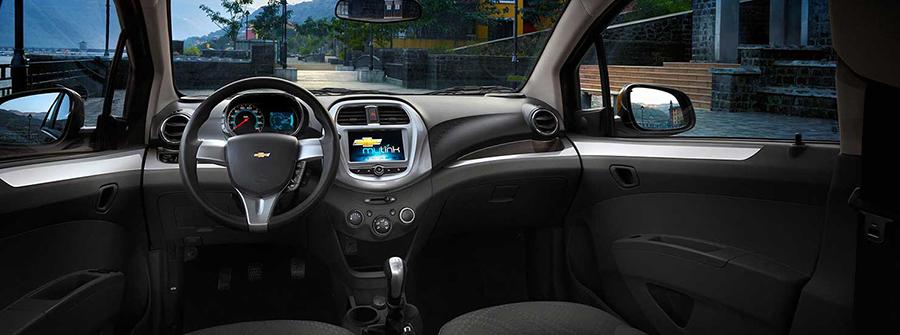 Ngồi sau tay lái Chevrolet Spark mới và sẵn sàng cho những ngạc nhiên ấn tượng.