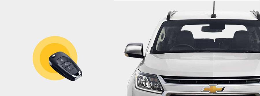 Kích hoạt Đèn LED chiếu sáng ban ngày của Trailblazer từ chìa khóa điện tử giúp bạn định vị xe trong bãi xe đông đúc.