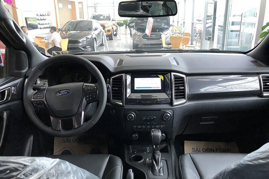 Nội thất Ford Everest Titanium 2.0L AT 4WD - Hình 1