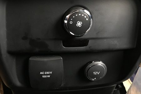 Nội thất Ford Everest Titanium 2.0L AT 4WD - Hình 4