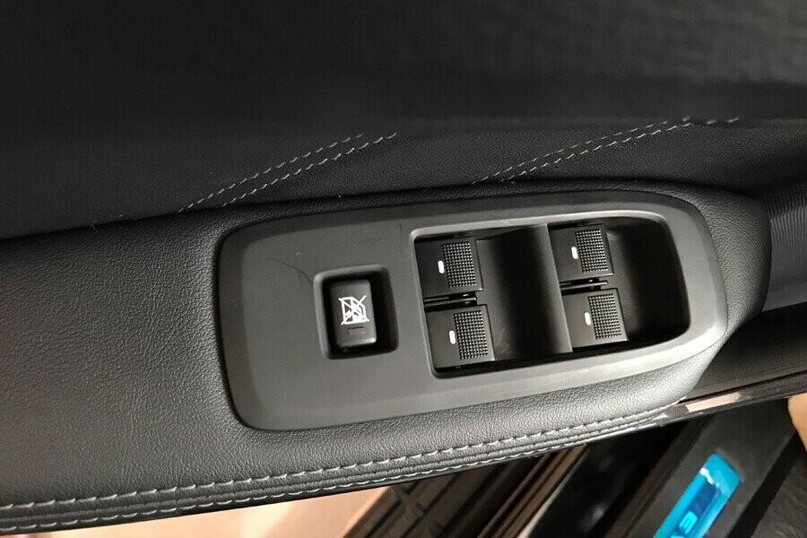 Nội thất Ford Everest Titanium 2.0L AT 4WD - Hình 10