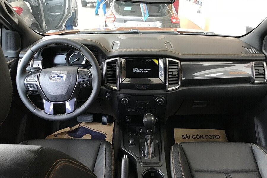 Nội thất Ford Ranger Wildtrak 2.0L AT 4X2 - Hình 2
