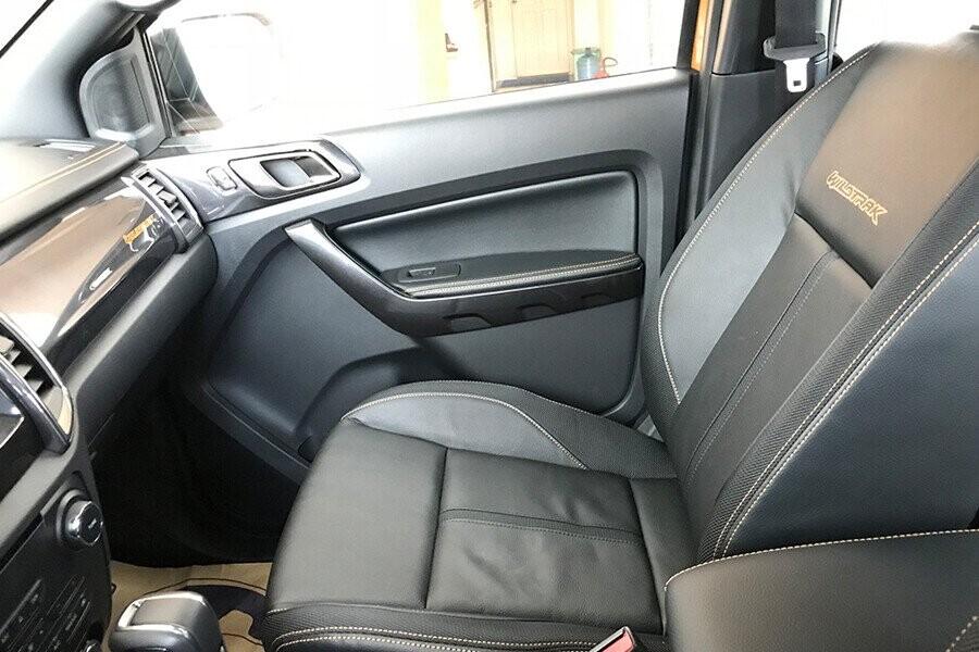 Nội thất Ford Ranger Wildtrak 2.0L AT 4X2 - Hình 5