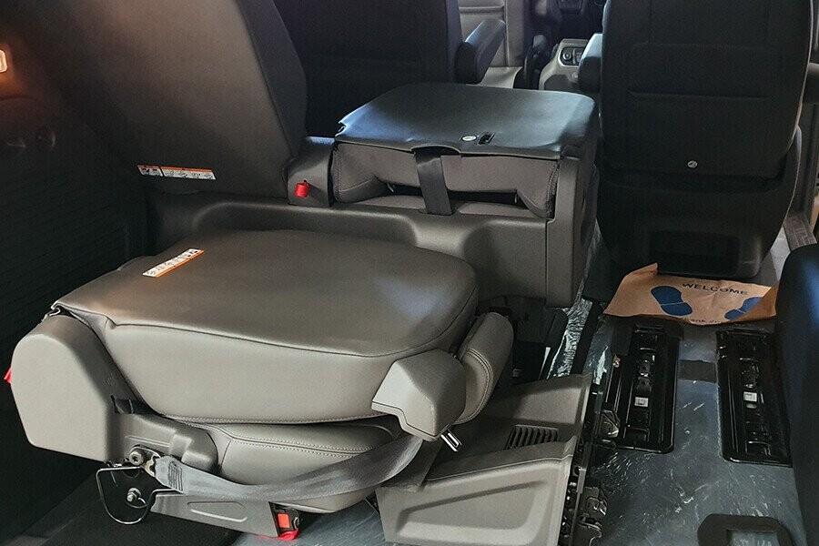 Hàng ghế sau tháo lắp dễ dàng tăng diện tích khoang hành lý