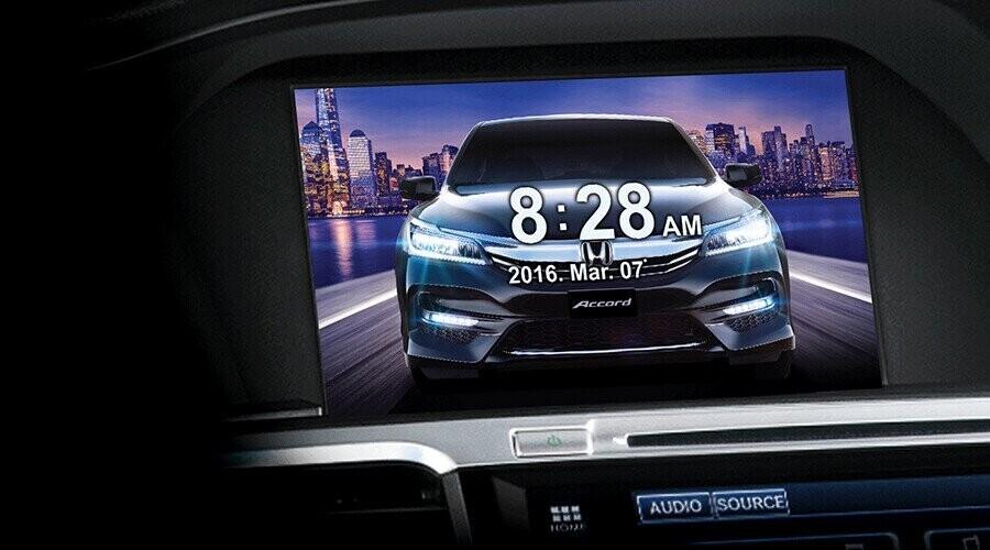 Màn hình thông minh i-MID cho phép hiển thị hình ảnh từ camera lùi