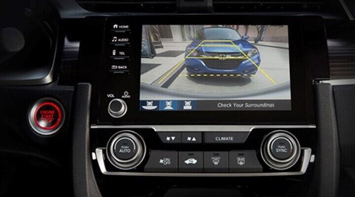 Xe được trang bị màn hình camera lùi kích thước 7 inch