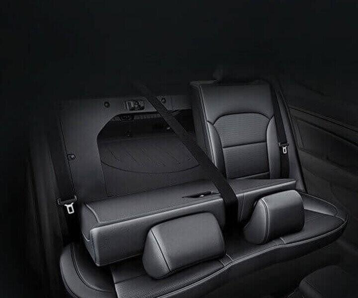 Elantra sở hữu hàng ghế sau có khả năng gập 6:4 giúp khách hàng tăng thêm không gian chứa đồ