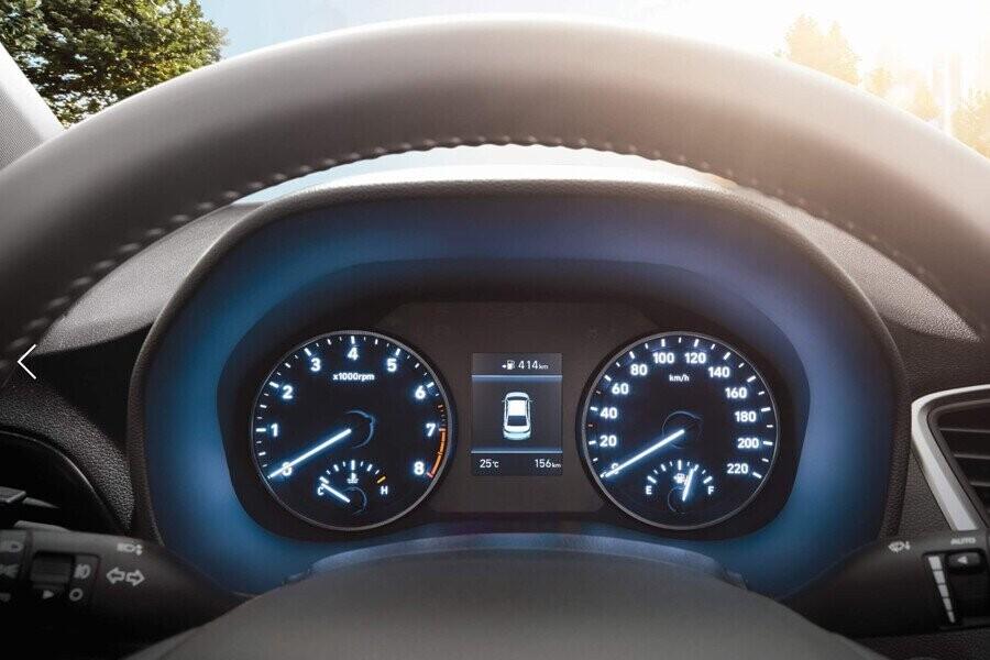 Nội thất Hyundai Accent 1.4 MT tiêu chuẩn - Hình 2