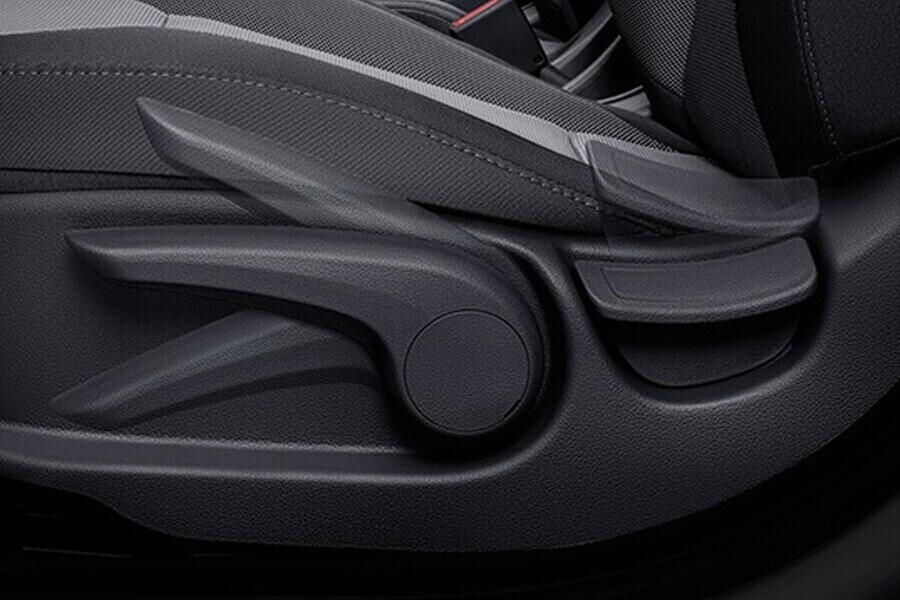 Nội thất Hyundai Accent 1.4 AT Đặc Biệt - Hình 6