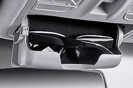Nội thất Hyundai Accent 1.4 MT tiêu chuẩn - Hình 9