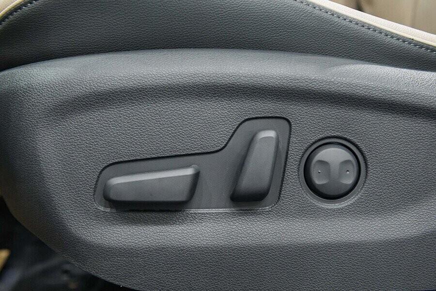 Ghế tích hợp chỉnh điện
