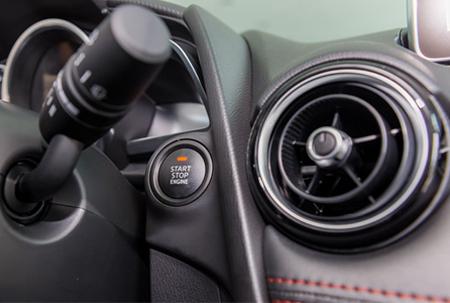 Nội thất Mazda 2 Hatchback 1.5L - Hình 10