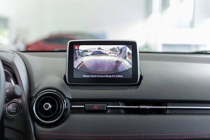 Nội thất Mazda 2 Hatchback 1.5L - Hình 12