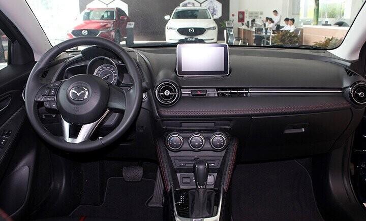 Nội thất Mazda 2 Sedan - Hình 1