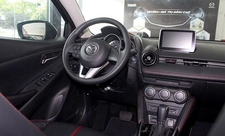 Nội thất Mazda 2 Sedan - Hình 5