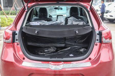 Nội thất Mazda 2 Sedan 1.5L - Hình 9