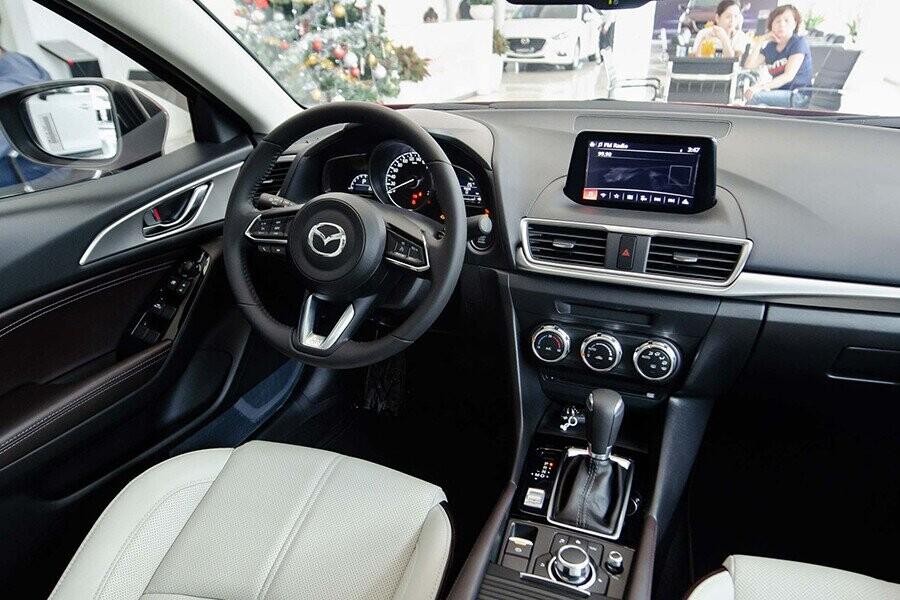 Nội thất xe Mazda 3 Sport Luxury