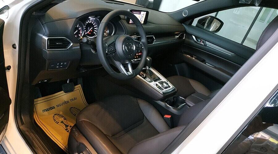Không gian nội thất Mazda CX-8 sang trọng