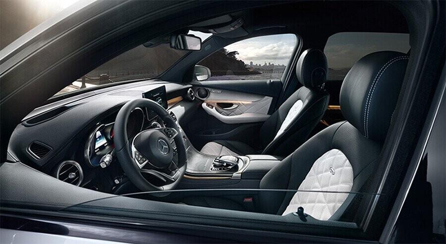 noi-that-mercedes-benz-glc-300-4matic-coupe-02.jpg