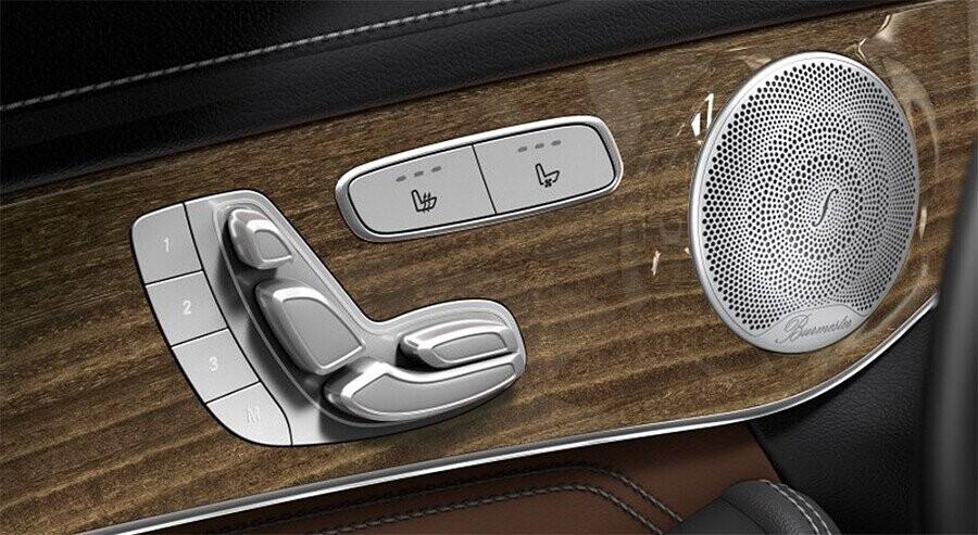 noi-that-mercedes-benz-glc-300-4matic-coupe-13.jpg