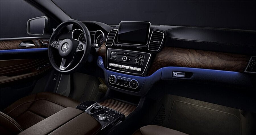 noi-that-mercedes-benz-gle-400-4matic-coupe-03.jpg