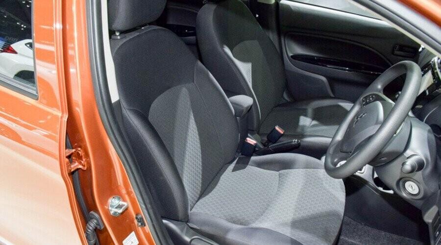 Mitsubishi Mirage không gian nội thất rộng rãi