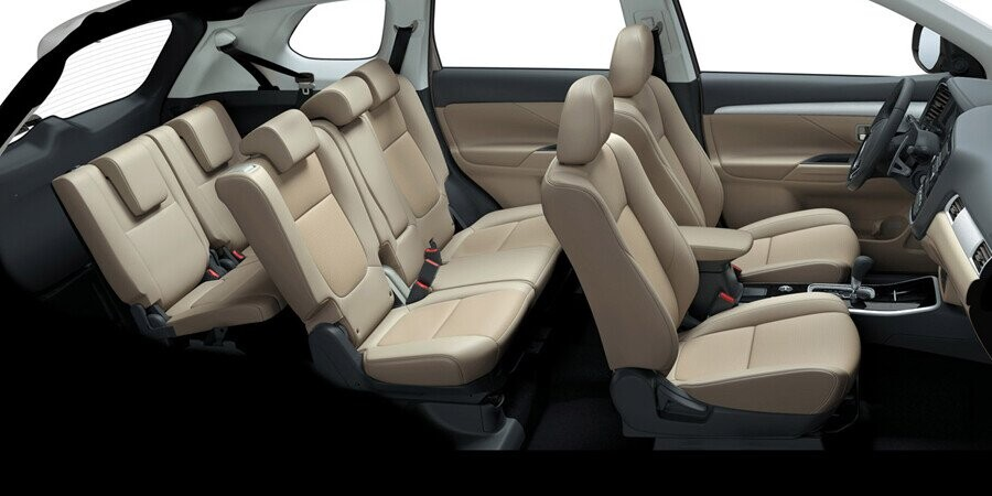 Nội thất Mitsubishi Outlander CVT 2.4 Premium CVT 2.4 Premium - Hình 3