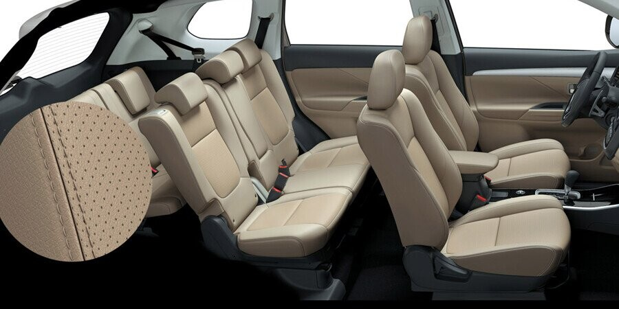 Nội thất Mitsubishi Outlander CVT 2.4 Premium CVT 2.4 Premium - Hình 4
