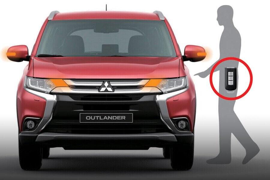Nội thất Mitsubishi Outlander CVT 2.4 Premium CVT 2.4 Premium - Hình 6