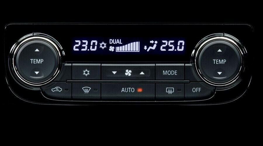 Nội thất Mitsubishi Outlander CVT 2.4 Premium CVT 2.4 Premium - Hình 8