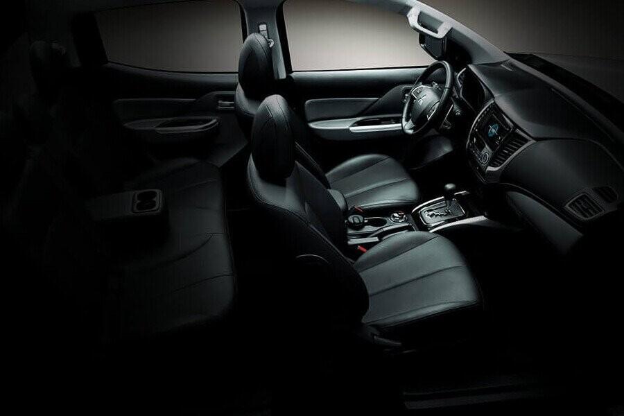 Ghế ngồi thoải mái hơn trên Mitsubishi Triton 4x2 MT