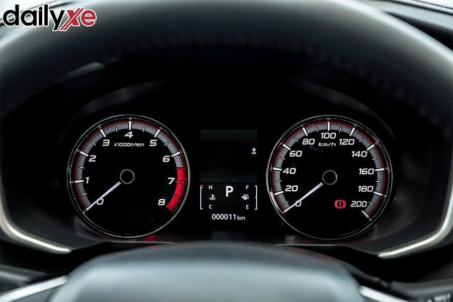 Màn hình LCD hiển thị đa thông tin kích cỡ lớn 4.2″ cung cấp đầy đủ thông tin về tình trạng xe