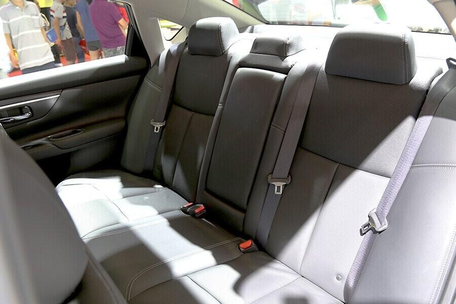 Teana tối đa sự thoải mái cho người lái và hành khách