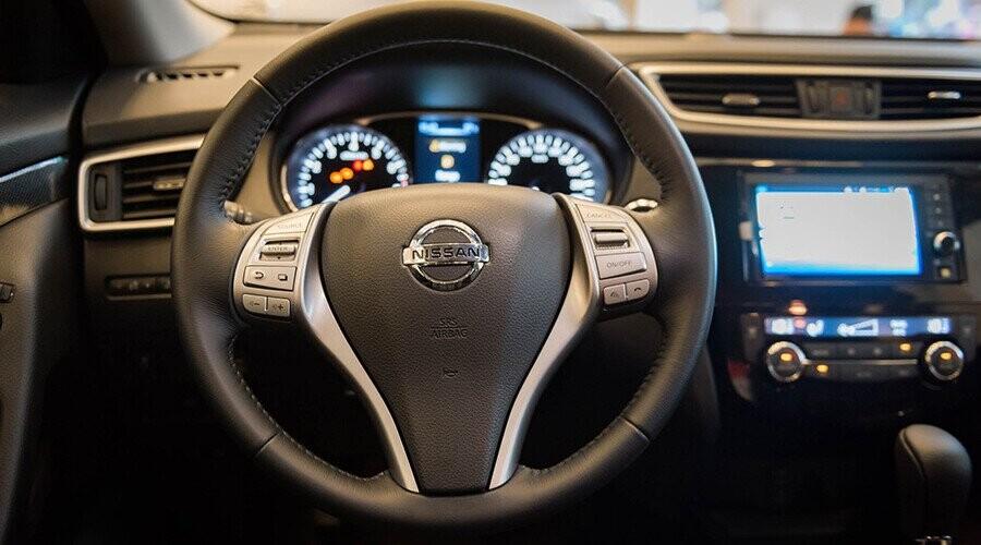 Nissan X-Trail có vô lăng tích hợp hệ thống đàm thoại rảnh tay