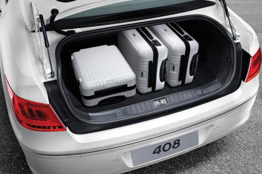 Khoang hành lý với thể tích lên đến 562L