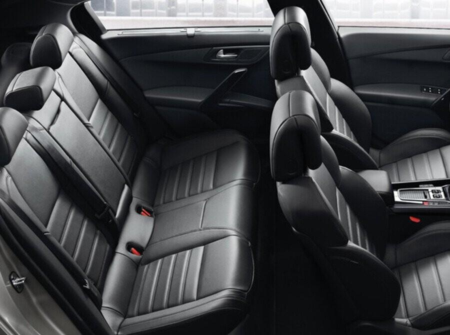 Peugeot 508 có khoang nội thất rộng rãi, thoáng đãng