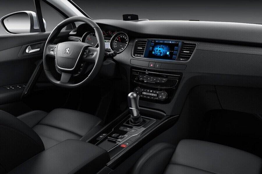 Trang bị linh hoạt các vị trí lái tối ưu giúp người lái thoải mái
