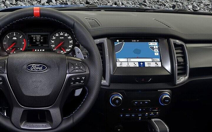Xe trang bị hệ thống thông tin giải trí SYNC 3 với màn hình 8 inch
