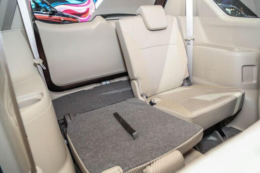 Hàng ghế có thiết kế chỗ để chân thoải mái