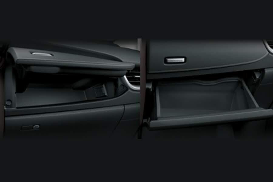 Nội thất Toyota Fortuner 2018 2.4 4x2 AT - Hình 6