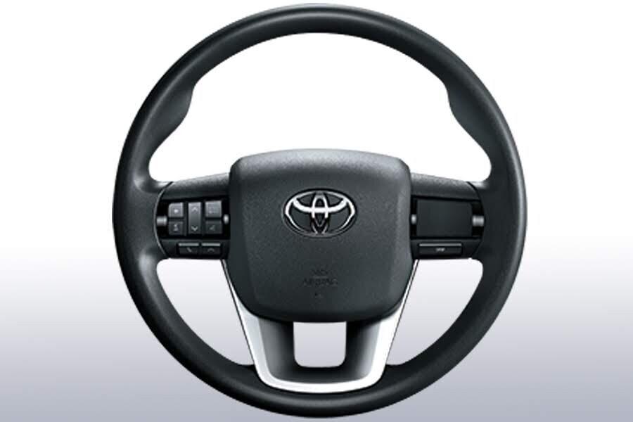 Nội thất Toyota Fortuner 2.4G 4x2 MT