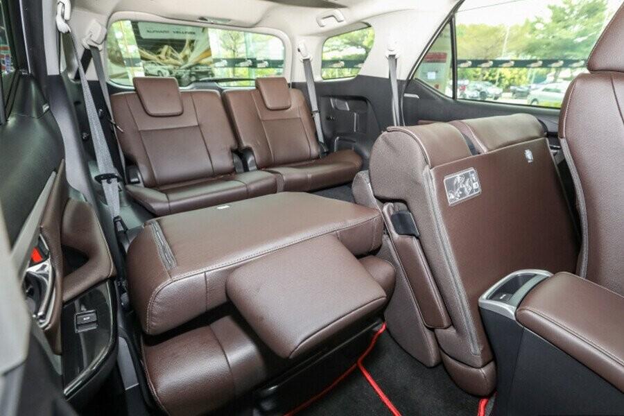 Hàng ghế sau gập tăng dung tích khoang hàng lý